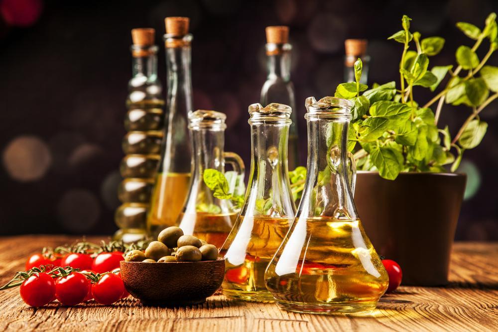 aceites, vinagres, salsas y tomates