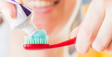 Fluor dentifrico